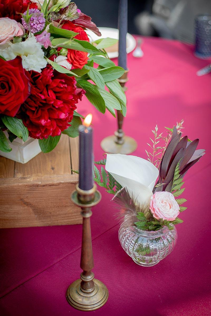 Подсвечник и флористическая композиция для свадьбы